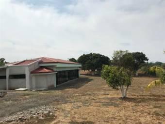 Local grande para proyecto/$10,000 con casa