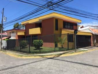 vendo casa en Residencial Málaga, Sabanilla, Montes de Oca, San José