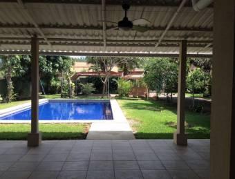 VENTA DE CASA EN CONDOMINIO EN DULCE NOMBRE, ALAJUELA