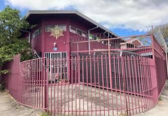 Venta de casa ubicada en  San José, Tibás. Llorente
