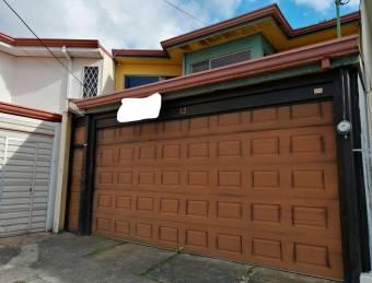 Venta de casa ubicada en  San José, San Pedro, Urbanización Torre