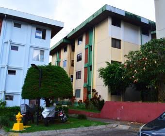 Beautiful apartment in condominium in Curridabat. Bank auction.