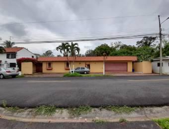 Venta de casa ubicada en Heredia, Ulloa, Ciudad Cariari