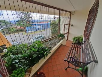 Casa de 263 m2, 3 Hab. y Oficina, Uso de Suelo Mixto, San Pedro