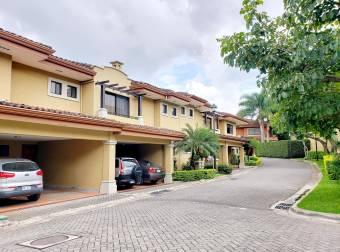 Venta Casa en Escazú Centro. 21-1417a