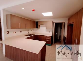 Estrene moderno apartamento  en condominio, Lindora, Santa Ana