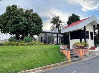 Apartamento en Condominio Jardines de Santo Tomás - Santo Domingo, Heredia