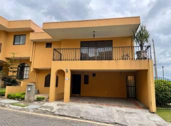 Venta de casa ubicada en Heredia, Belén, Condominio Balcones de la Rivera