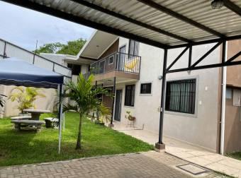 Venta de casa ubicada en San José, Zapote, Quesada Durán