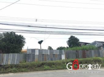 # 2798 Se vende terreno de uso mixto en Guadalupe!