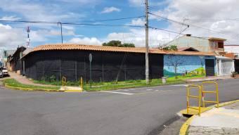 # 2402 Se vende casa comercial alquilada a institución gubernamental en Desamparados!, $ 300,000, 10, San José, Desamparados
