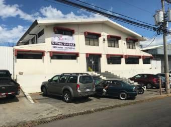 #1620 Se vende bodega industrial con oficinas en Heredia! Precio rebajado!