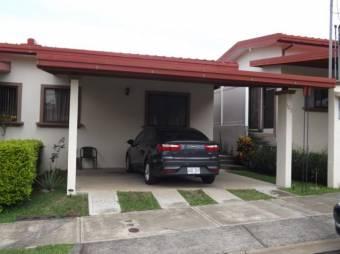 Venta de preciosa casa Heredia San Josecito  MT 19-789