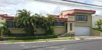 VENDO Hermosa Casa en Residencial LA GUARIA - MORAVIA