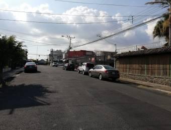 Excelente lote/Se alquila/San Pedro/Montes_Oca