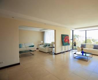 Hermoso apartamento en Santa Ana