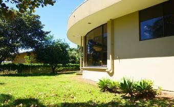 Hermosa casa en Los Reyes