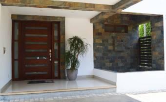Hermosa casa en Valle del Sol