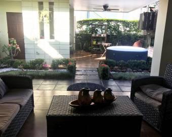 Hermosa casa en Veredas del Arroyo