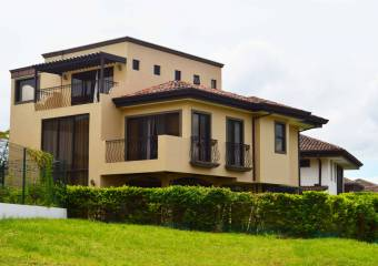Hermosa casa en Heredia