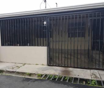 Acogedora propiedad con excelente ubicación en Curridabat Centro. #20-1502