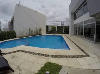 Se Alquila/Vende Amplia Casa En San Pablo De Heredia