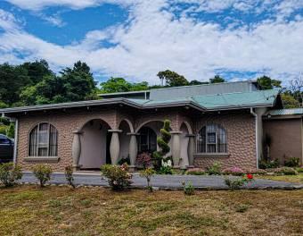 Hermosa casa familiar a la venta en Naranjo