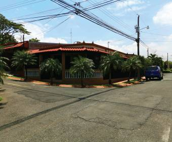 Hermosa casa de 1 planta en residencial en El Coyol.