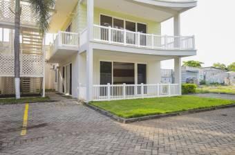 Venta apto ubicado en Puntarenas, Condominio  Olas del Roble