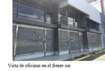 Sobre calle principal de La Uruca- excelente oportunidad