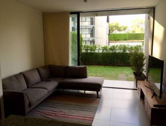 Apt 2 habitaciones y 2 baños en planta baja con jardín- zona Real Cariari