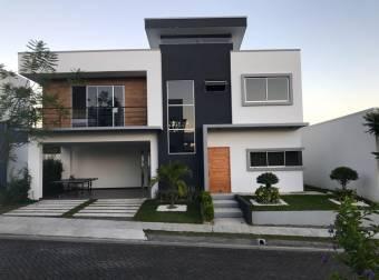 Casa moderna para alquiler en Turrúcares, Alajuela