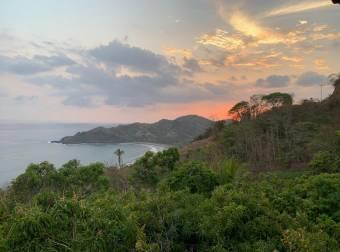 1ha entre Playa Corozalito y Playa Bejuco por aeropuerto Punta Islita