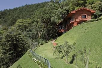 A la venta espectacular casa en la montaña