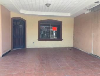 Se vende casa en urbanizacion Villa Flores, Heredia.