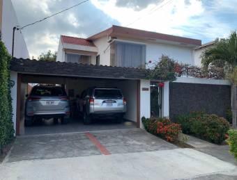 Se vende hermosa casa a 3 minutos del Hospital Mexico