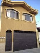 Edificio en venta que cuenta con 3 apartamento