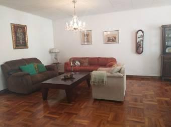 Alquiler de casa con uso de suelo mixto, Paseo Colón