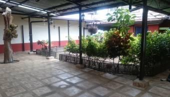 VENDO BELLA Y AMPLIA CASA EN SANTO DOMINGO HEREDIA