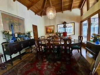 V#143 Hermosa casa en venta, Escazú