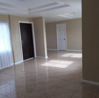 V#42 Céntrica casa en venta/ Dulce Nombre de Coronado