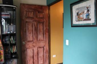 V#07 Confortable casa en venta / Escazú