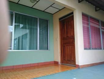 V#63 Céntrico Edificio de Aptos en venta/Atenas