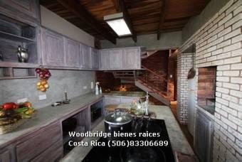 Escazu casa en venta $290.000 /3 pisos/sin jardin