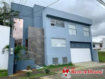 Venta de espectacular casa en Condominio de San Pedro, Montes de Oca. #21-2255