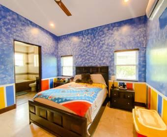 Hermosa casa contemporánea en condominio dentro de Ciudad Hacienda Los Reyes.