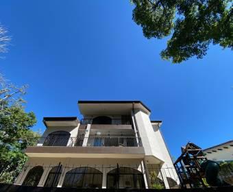 Hermosa casa de 3 niveles en Ciudad Hacienda Los Reyes.
