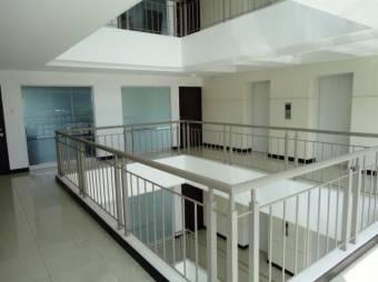 SE VENDE Apartamento 10 mo piso