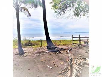 Lote frente al mar en playa Tivives, Puntarenas