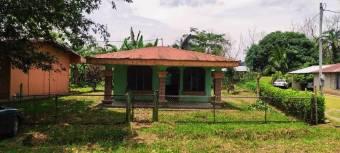 Bonita casa familiar Ubicada en el Molino, En Venta.  CG-21-2295